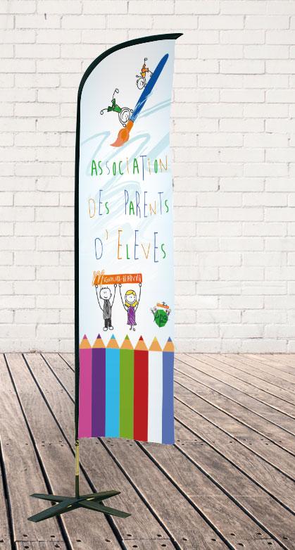 Wing flag pour assocoation des parents d'élèves de mignaloux-beauvoir réalisé sous illustrator par Aurélie Stadelmann infographiste webdesigner independante et freelance près de poitiers
